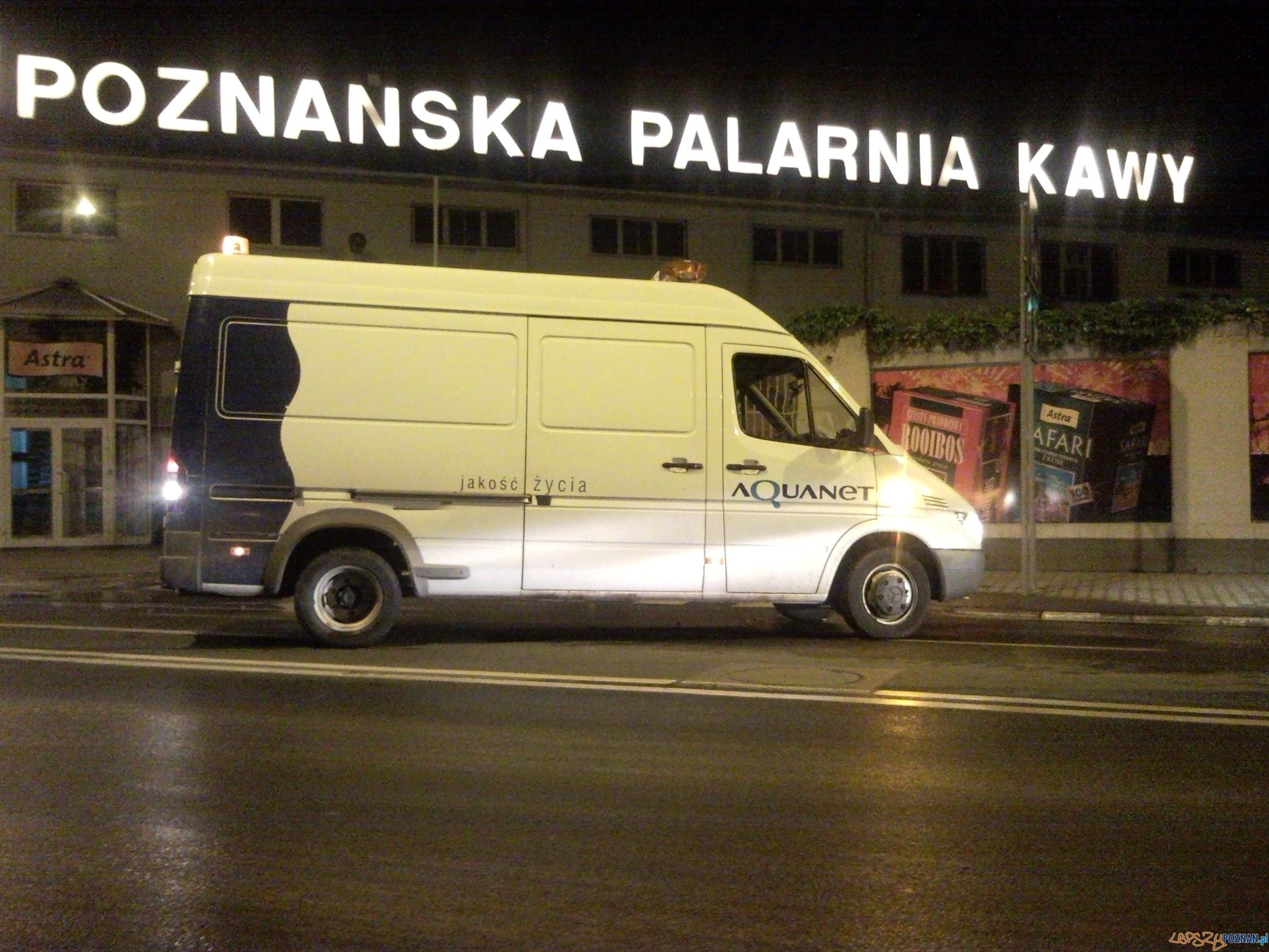 foto: lepszyPOZNAN.pl - awaria wodociągu na Garbarach  Foto: