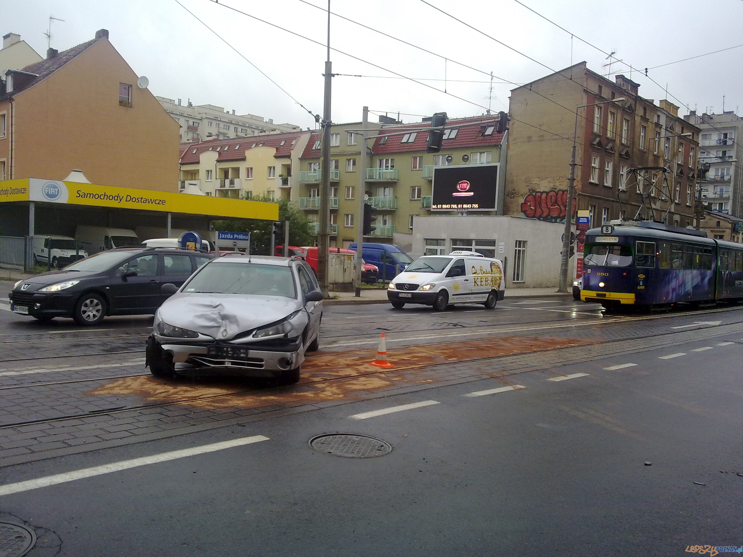 wypadek na Głogowskiej  Foto: lepszyPOZNAN.pl / mobile