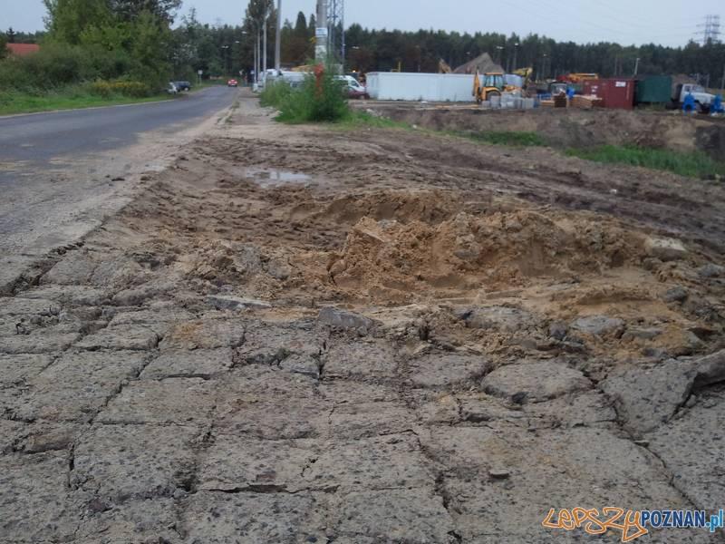 w tym miejscu kończy się bezpieczna droga do przedszkola  Foto: lepszyPOZNAN.pl / gsm