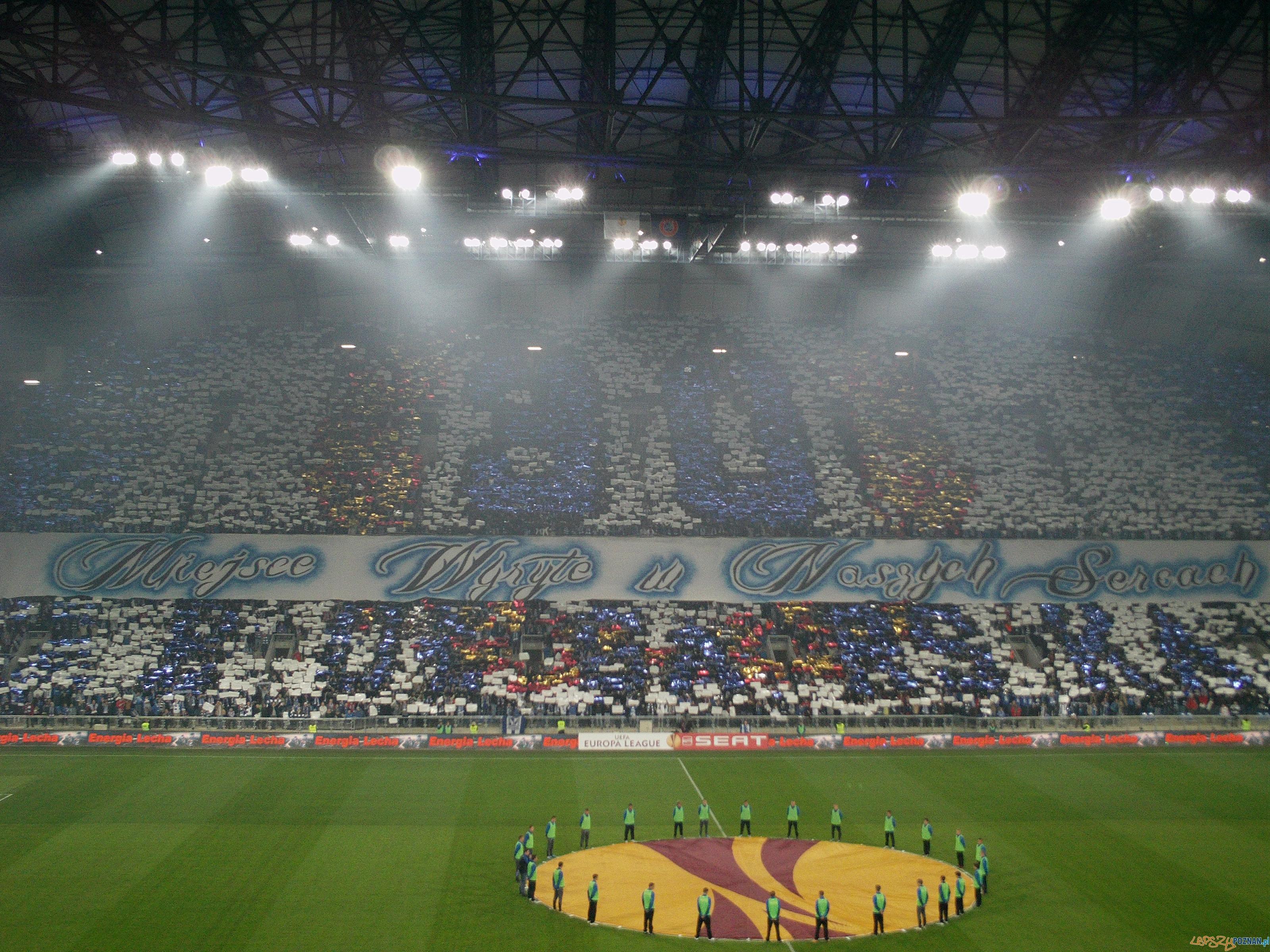 Oprawa na inaugurację stadionu  Foto: Paweł Rychter