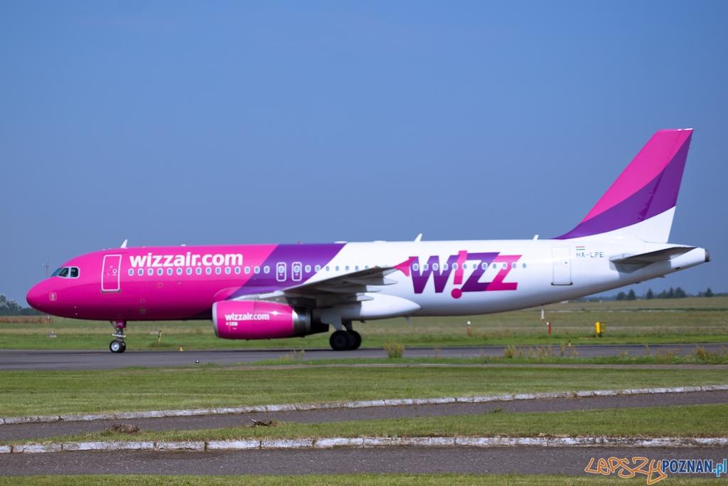 kołowanie samolotu wizzair  Foto: lepszyPOZNAN.pl / Paweł Rychter