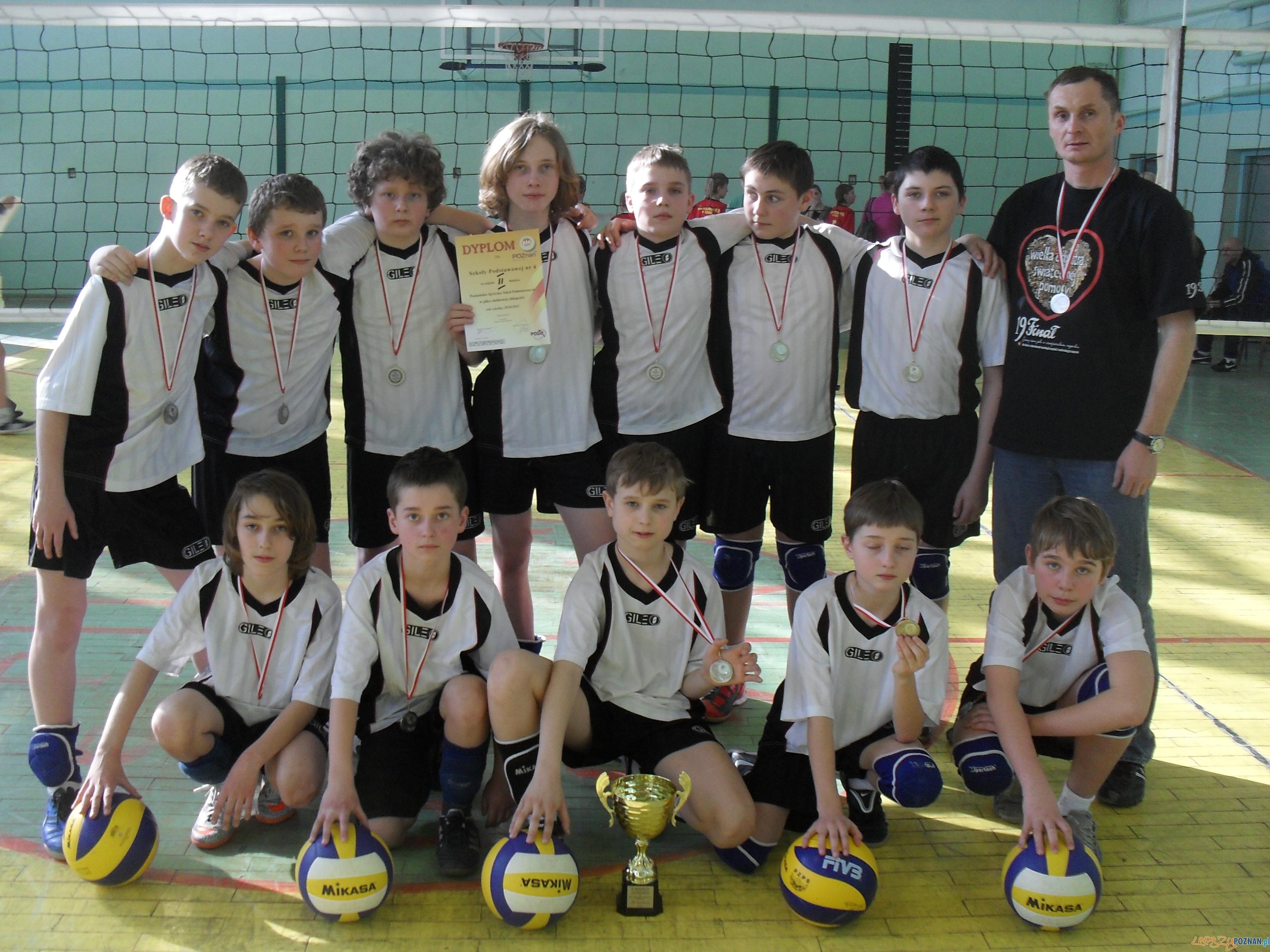 drużyna piłki ręcznej  Foto: Szkoła Podstawowa nr 4