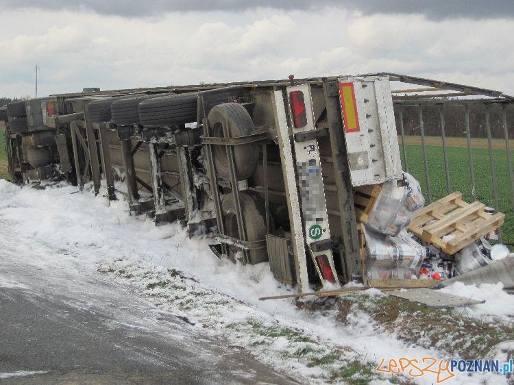 Wypadek w Niepruszewie  Foto: Paweł Zieliński