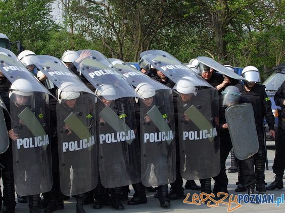 Policja na Stadionie Miejskim  Foto: KWP w Poznaniu