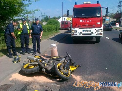 Wypadek motocyklisty w Czerwonaku  Foto: Komenda Miejska Państwowej Straży Pożarnej