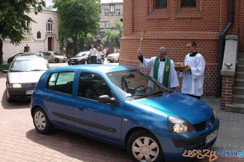 Święcenie samochodów  Foto: lazarz.pl