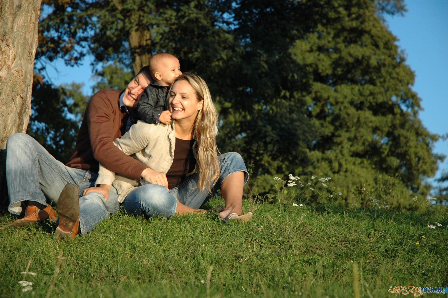 rodzina w parku  Foto: sxc