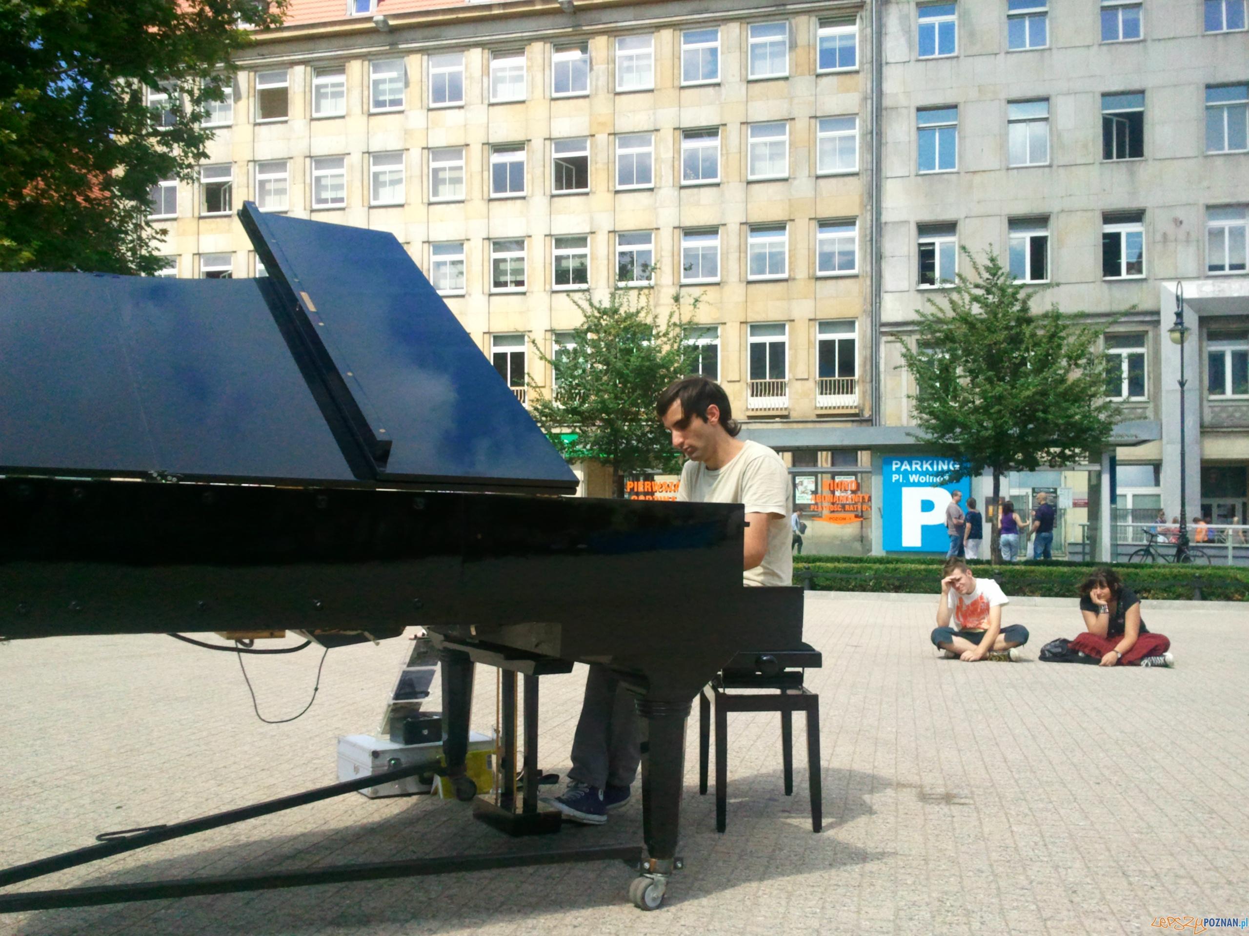 Davide Martello na Placu Wolności  Foto: lepszyPOZNAN.pl / gsm
