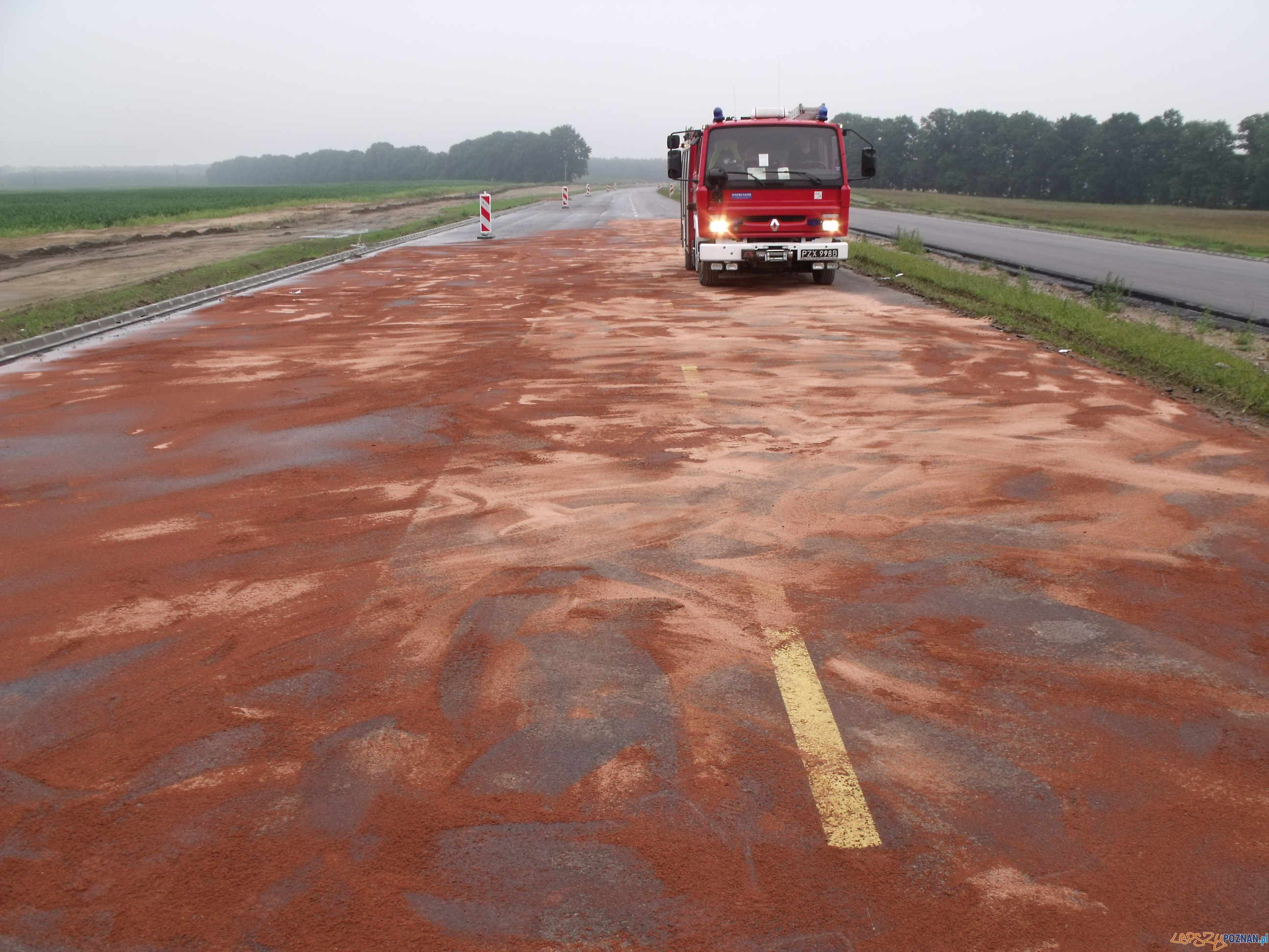Wypadek w Sannikach  Foto: KM PSP