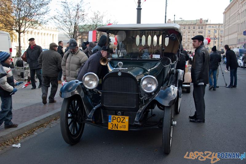 Obchody dnia niepodległości - Automobilklub Wielkopolski - Poznań 11.11.2011 r.  Foto: LepszyPOZNAN.pl / Paweł Rychter