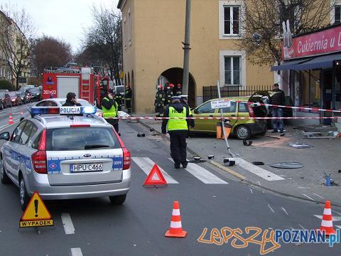 Dwie ofiary śmiertelne w wypadku Nad Wierzbakiem  Foto: KWP w Poznaniu