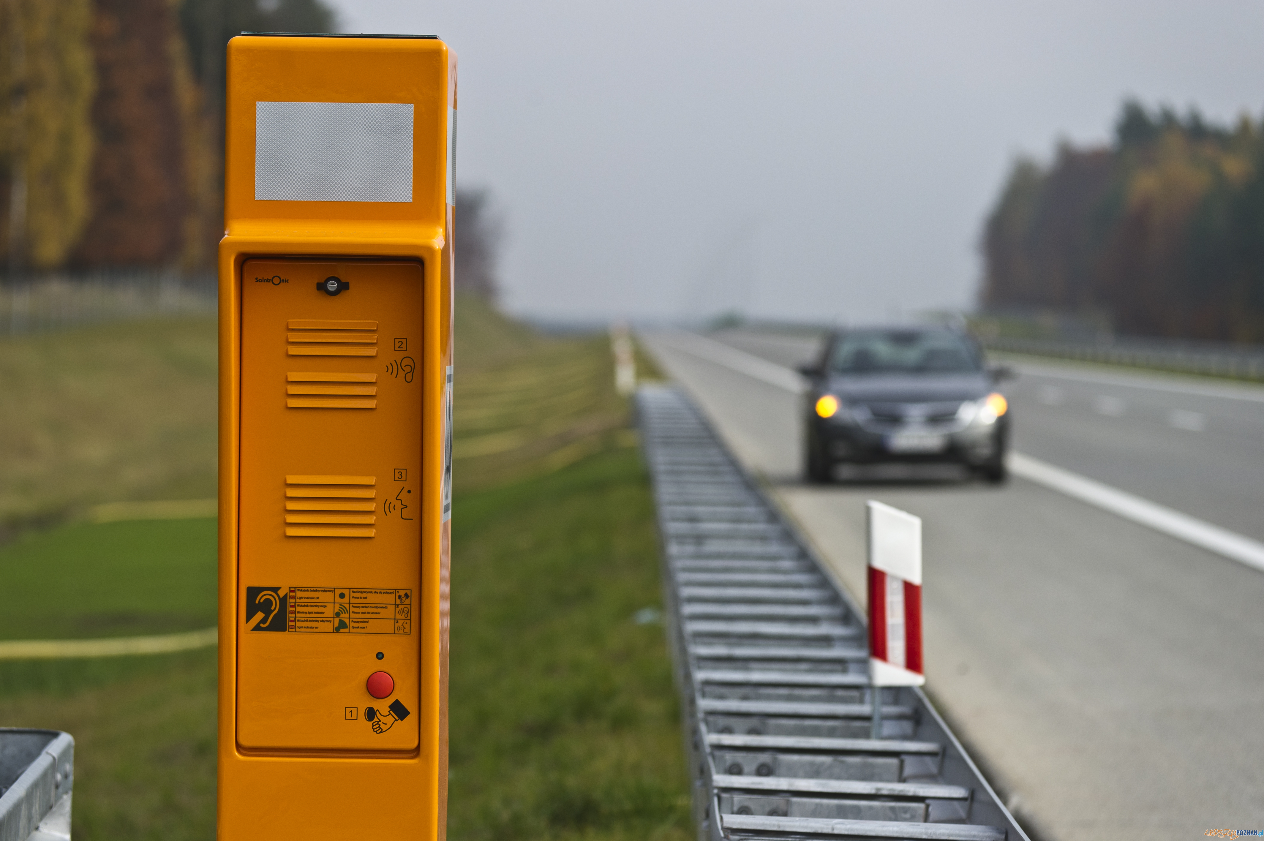 Kolumna alarmowa na autostradzie  Foto: Autorstrada Wielkopolska