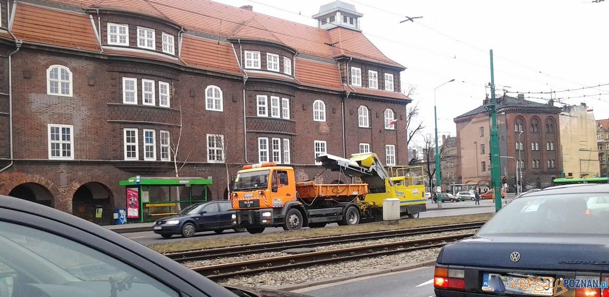 Odkurzacz na Estkowskiego  Foto: lepszyPOZNAN.pl / gsm