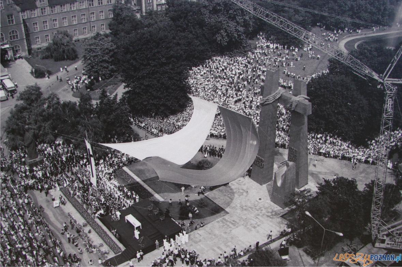 Pomnik-czerwca-56  Foto: fotoportal.poznan.pl