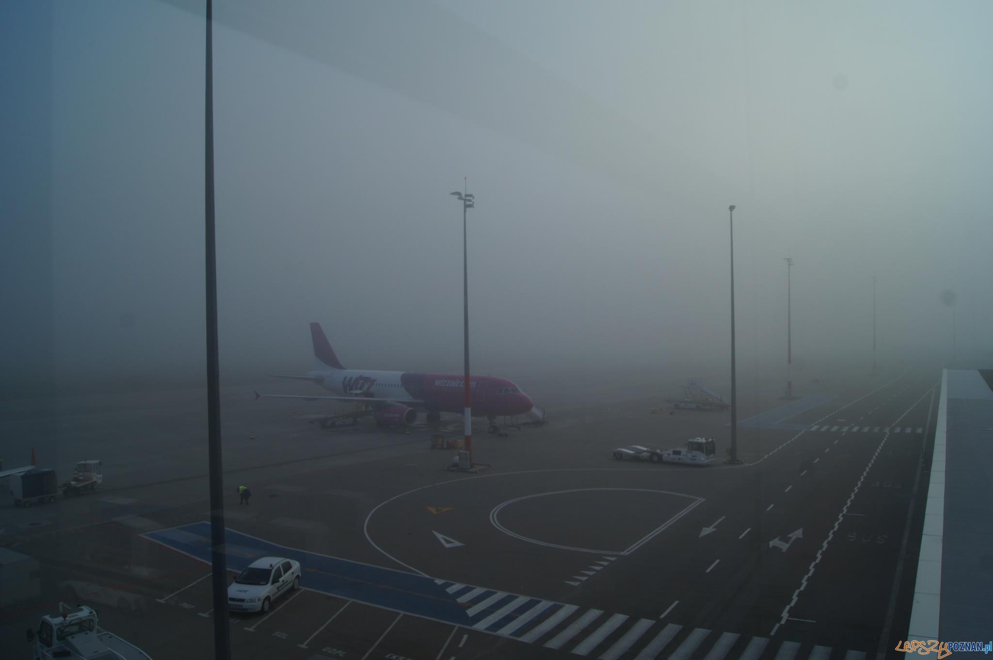 Mgła uziemiła samoloty na poznańskim lotnisku  Foto: Port Lotniczy Poznań- Ławica
