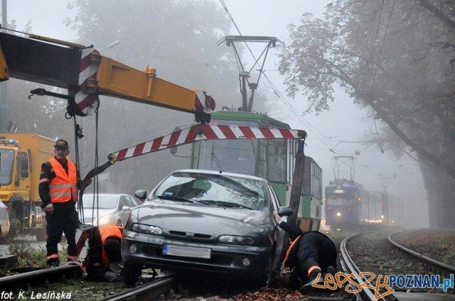 Usuwanie samochodu z torowiska  Foto: MPK / K. Lesińska