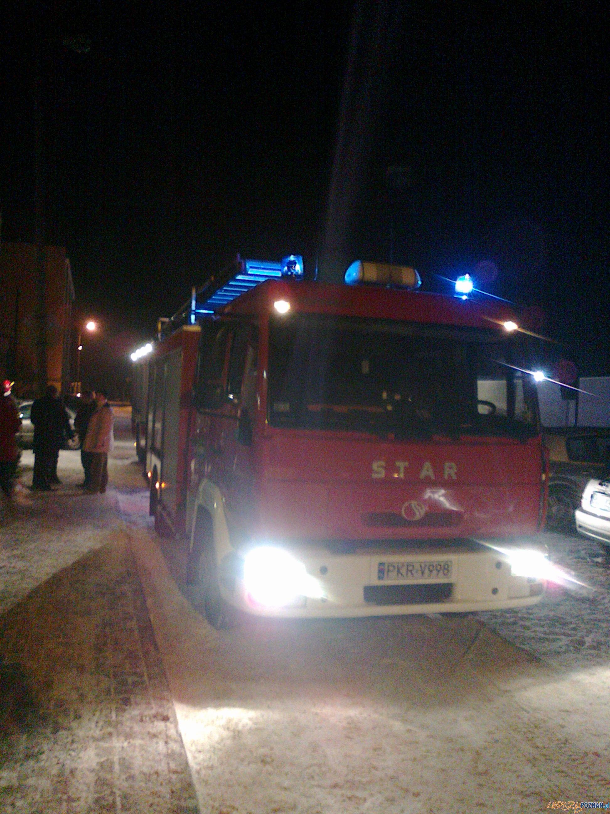 Czad zabija - strażacy podczas akcji w Krotoszynie  Foto: KP PSP Krotoszyn