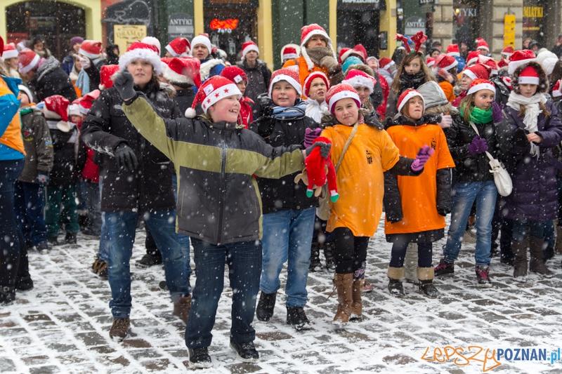 12:00 na Starym Rynku  Foto: lepszyPOZNAN.pl / Piotr Rychter
