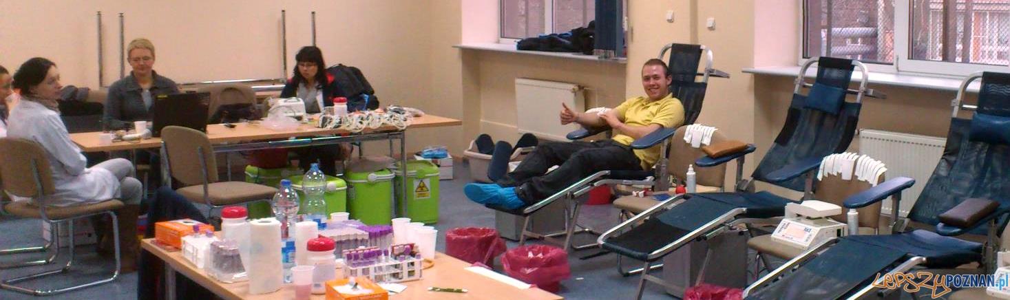 Krew Bankiera - akcja zbiórki krwi w 2012 roku na WSB  Foto: WSB