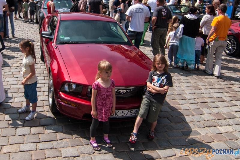 Mustangi na Starym Rynku - Poznań 09.06.2013 r.  Foto: LepszyPOZNAN.pl / Paweł Rychter