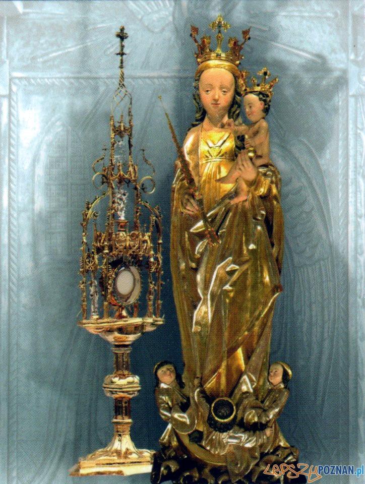 Figura Matki Bożej w Tulcach  Foto: Parafia w Tulcach