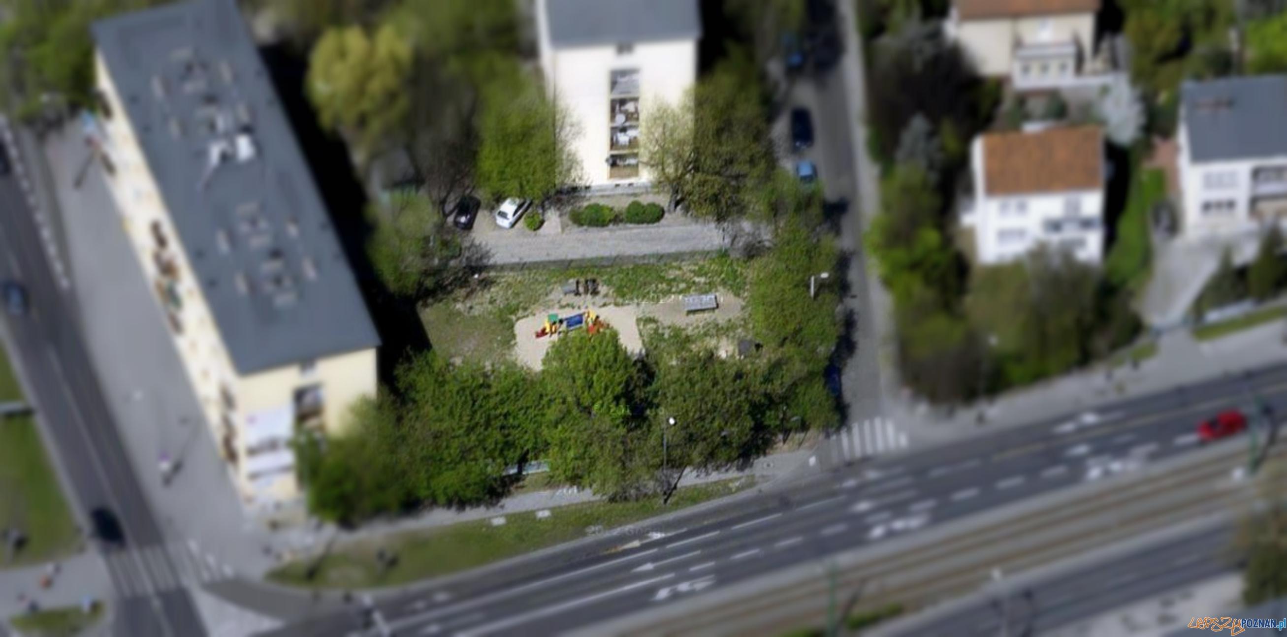Plac zabaw przy ul. Włodkowica  Foto: Google