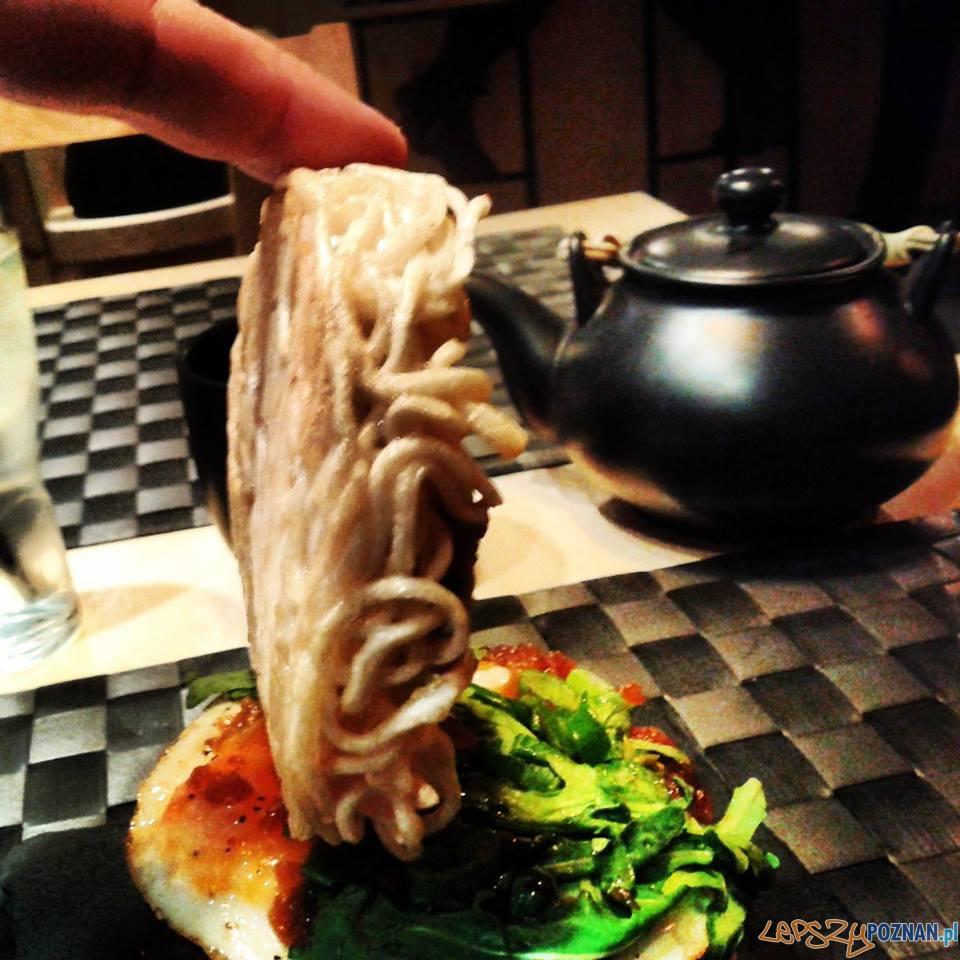 Nie rozwala się! ramen burger w Yetztu  Foto: