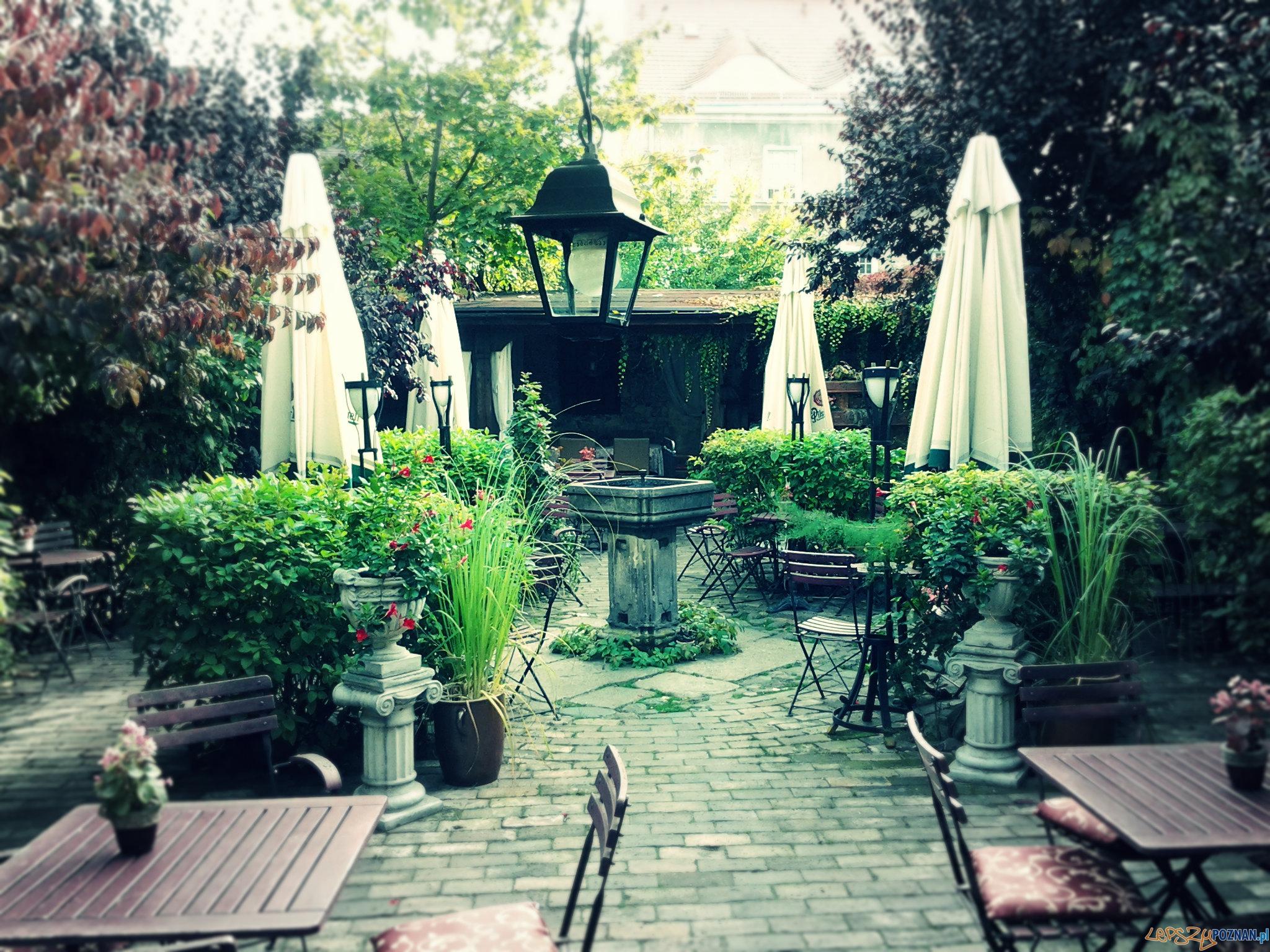 Jedna z kawiarni na ul. Żydowskiej  Foto: lepszyPOZNAN.pl / tab