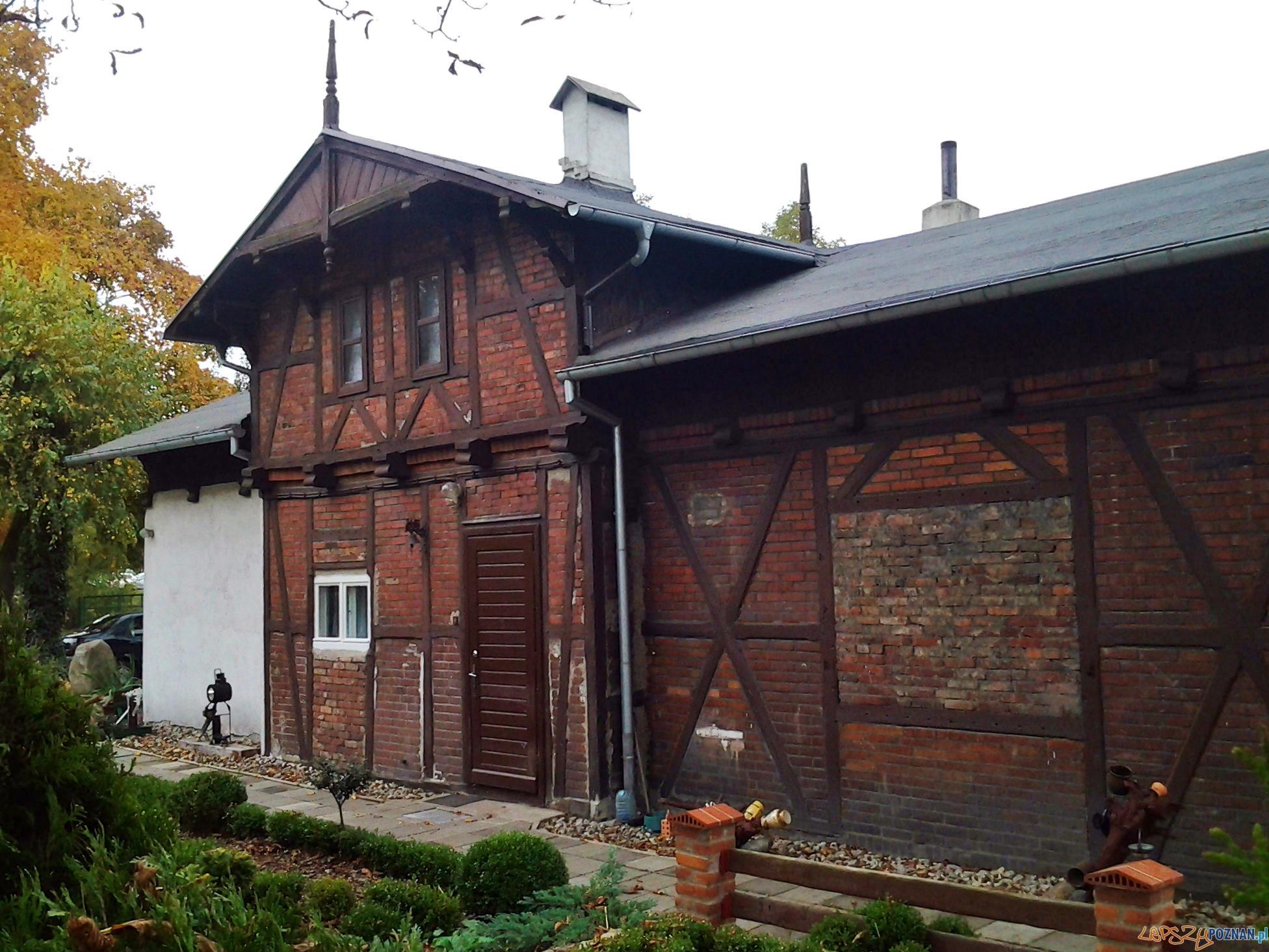 Budynek dawnego dworca Średzkiej Kolei Powiatowej - ul. Folwarczna  Foto: lepszyPOZNAN.pl / tab 10.1