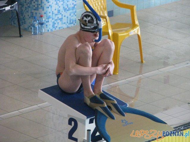 Pływanie w płetwach start  Foto: