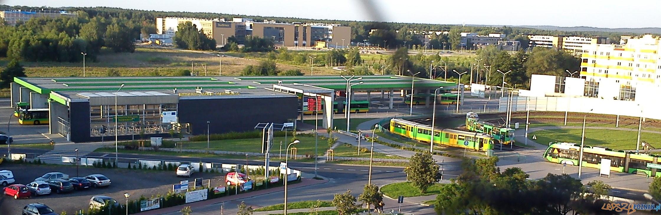 Dworzec autobusowy na Osiedlu Sobieskiego panorama  Foto: CC/wikipedia