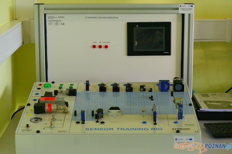 Laboratorium Technik Mechatronik. Stanowisko sensorów.  Foto: Przemysław Kozakiewicz