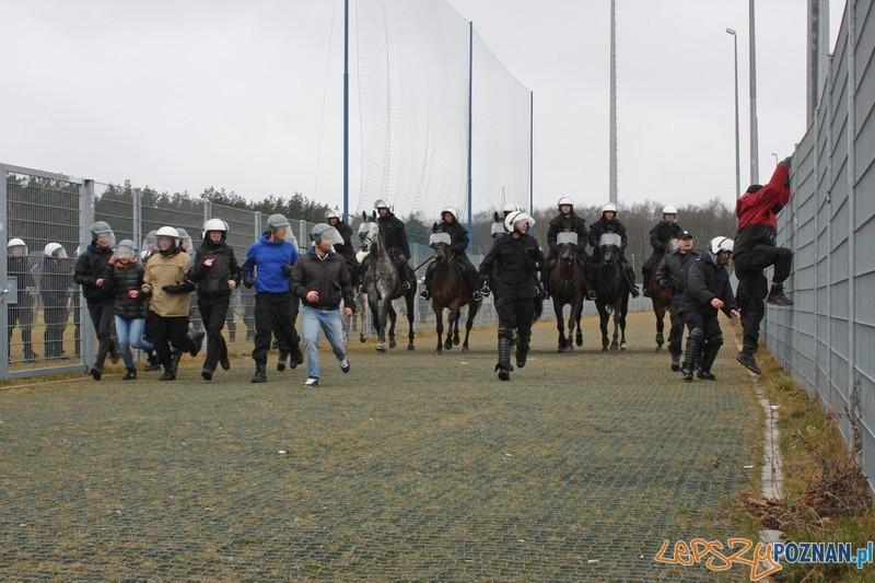 Policja ćwiczyła na Stadionie Miejskim  Foto: materiały policji