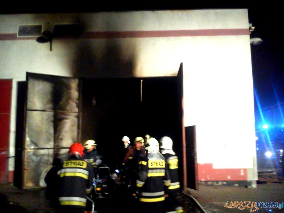 Pożar hali w Stęszewie  Foto: st. ogn. Artur Zieliński