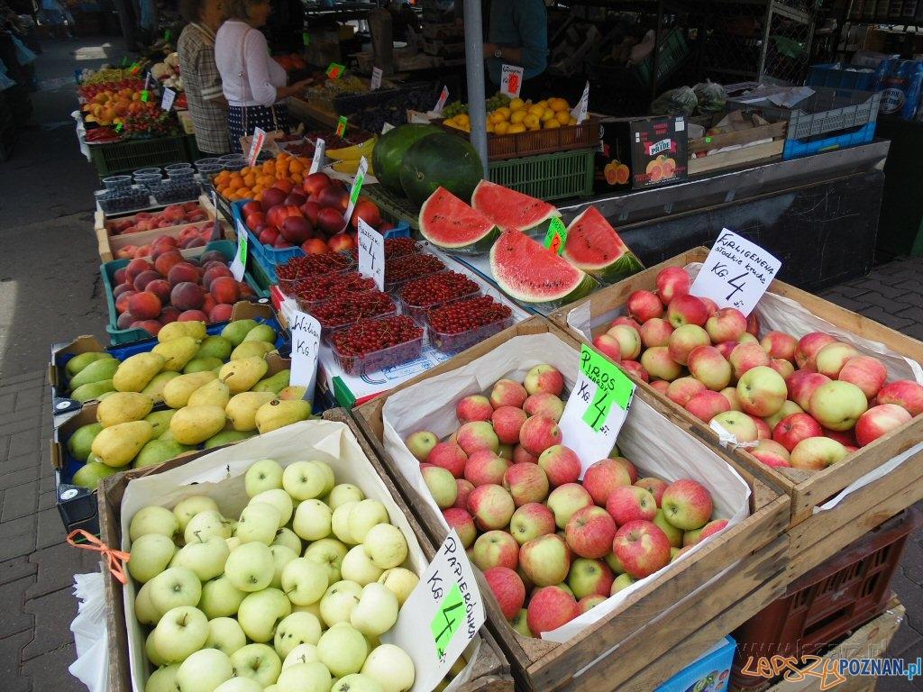 Kupujemy jabłka na Rynku Łazarskim  Foto: lazarz.pl / Janusz Ludwiczak