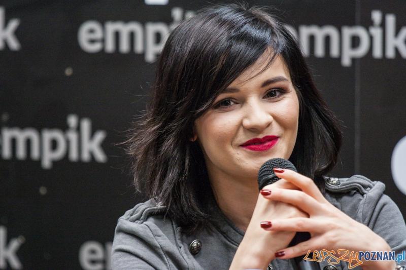 Spotkanie z Eweliną Lisowską (7.11.2014) Empik  Foto: © LepszyPOZNAN.pl / Karolina Kiraga