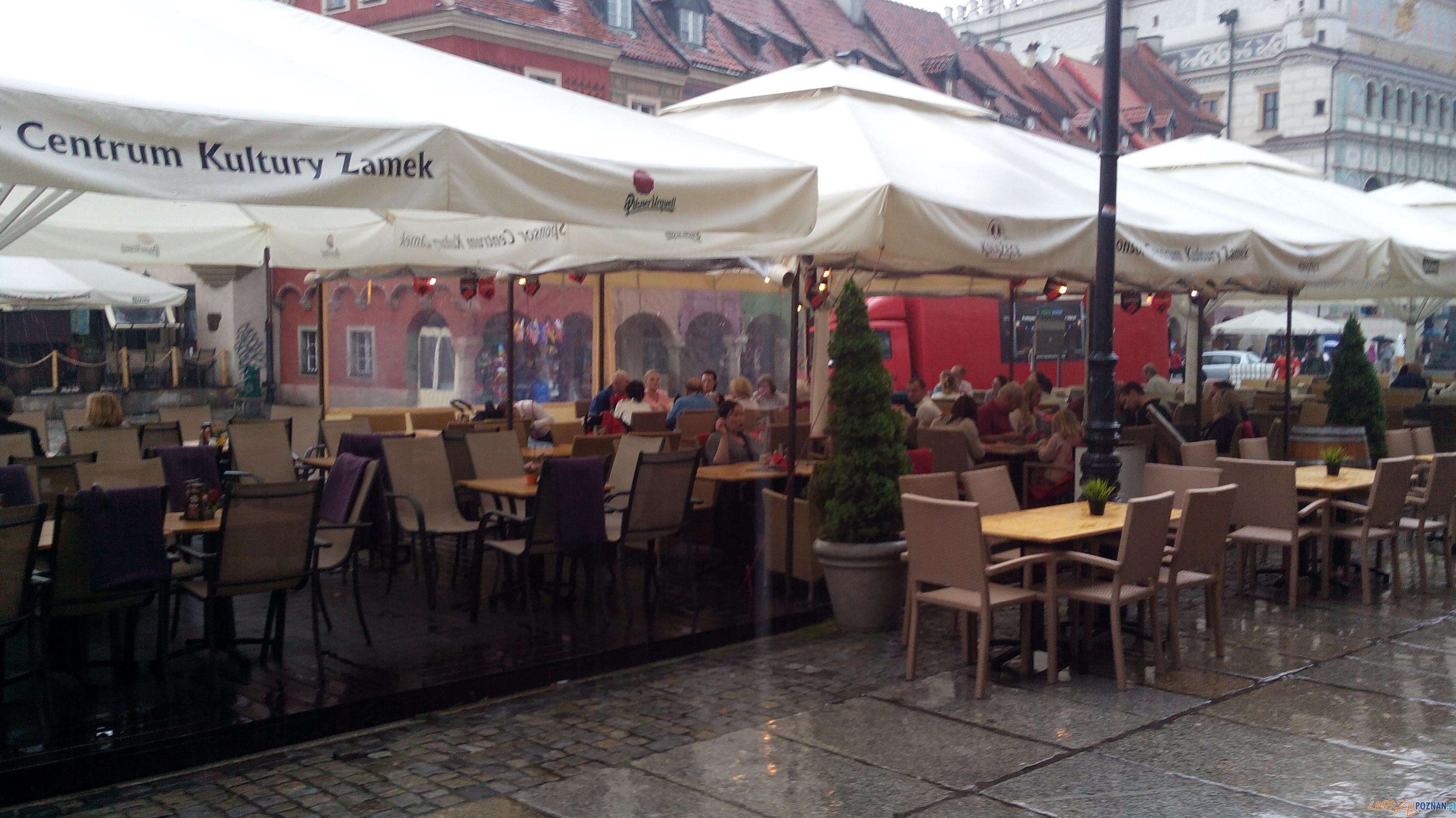 Stary Rynek ogródek piwny  Foto: LepszyPoznan.pl / gsm