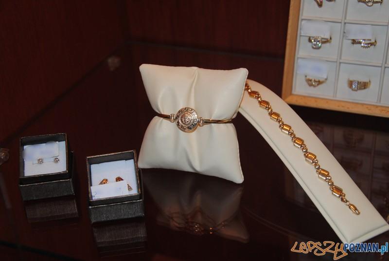 Fałszywa biżuteria  Foto: KMP