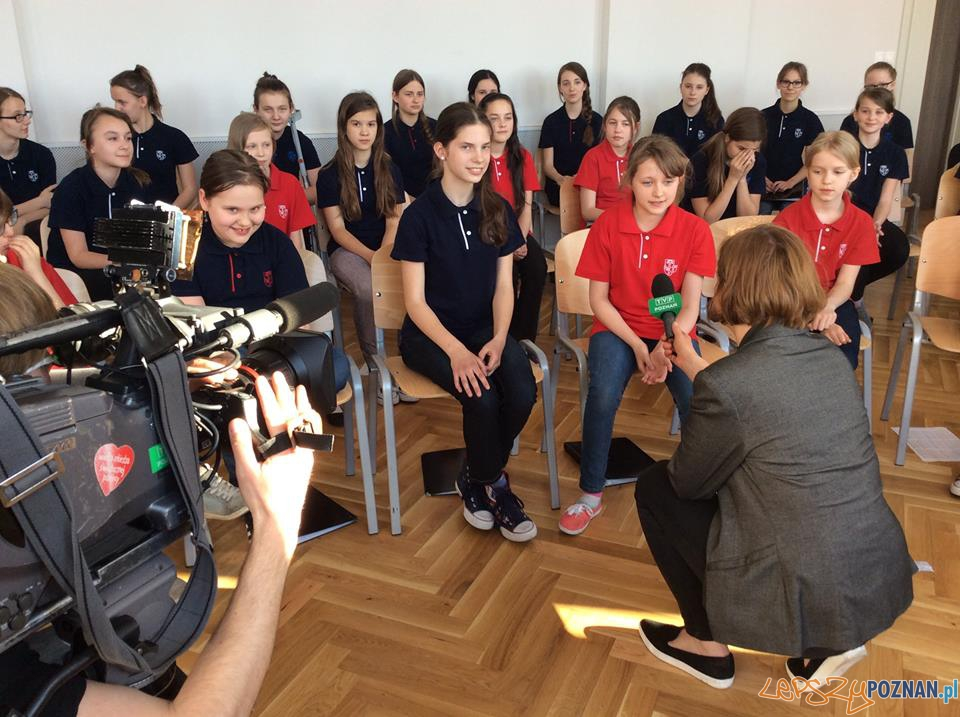 Wywiad z dziewczetami z chóru  Foto: facebook