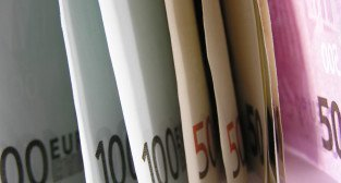 banknoty euro  Foto: sxc