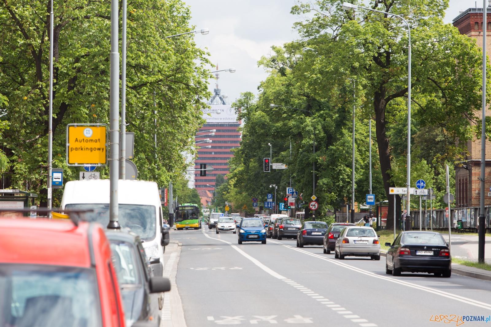 Ulica Bukowska widok na Akademię Ekonomiczną  Foto: lepszyPOZNAN.pl / Piotr Rychter