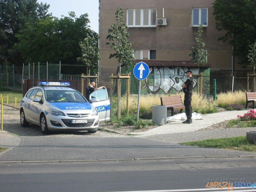Zwłoki młodego mężczyzny znaleziono na Łazarzu  Foto: lazarz.pl / Karol Kroll