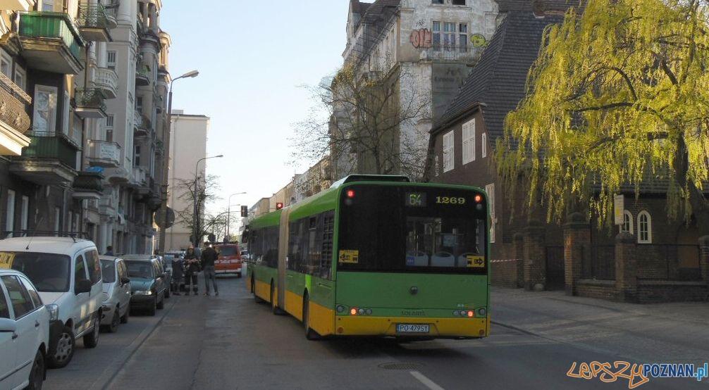 Autobus 64  Foto: lazarz.pl