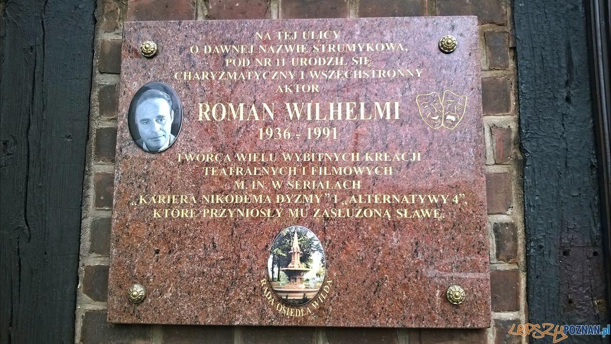 Tablica poświęcona R. Wilhelmiemu na ul. Sikorskiego  Foto: Tomasz Dworek