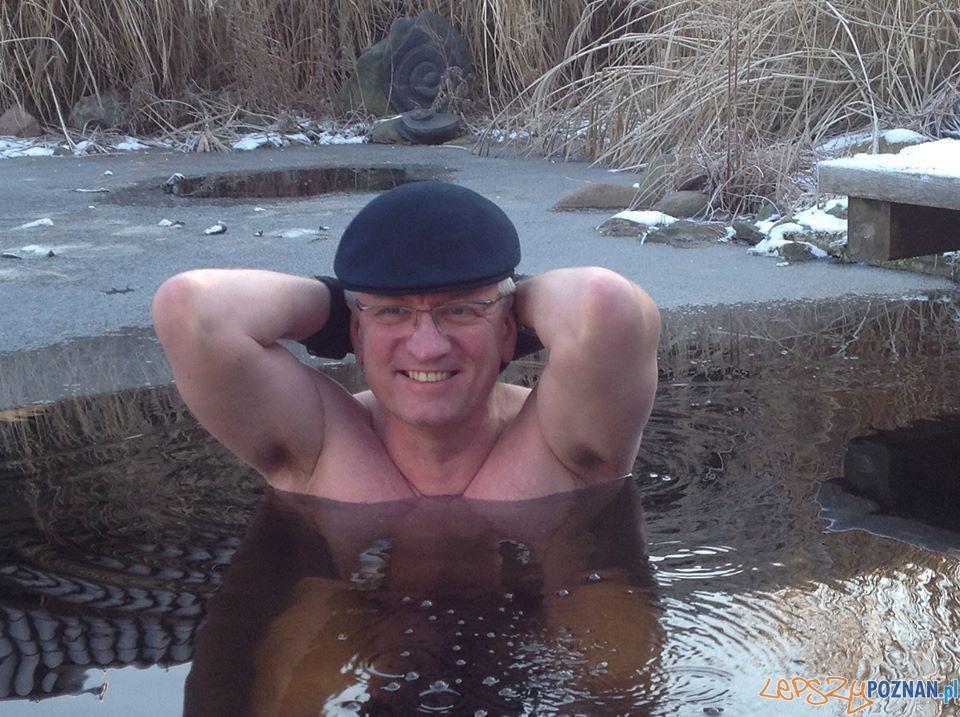 Kąpiel w przeręblu prezydenta jaśkowiaka  Foto: UMP