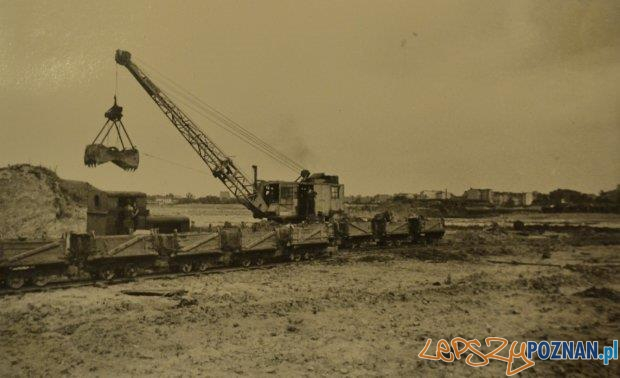 Budowa jeziora na Malcie 17-10-1948  Foto: POSiR