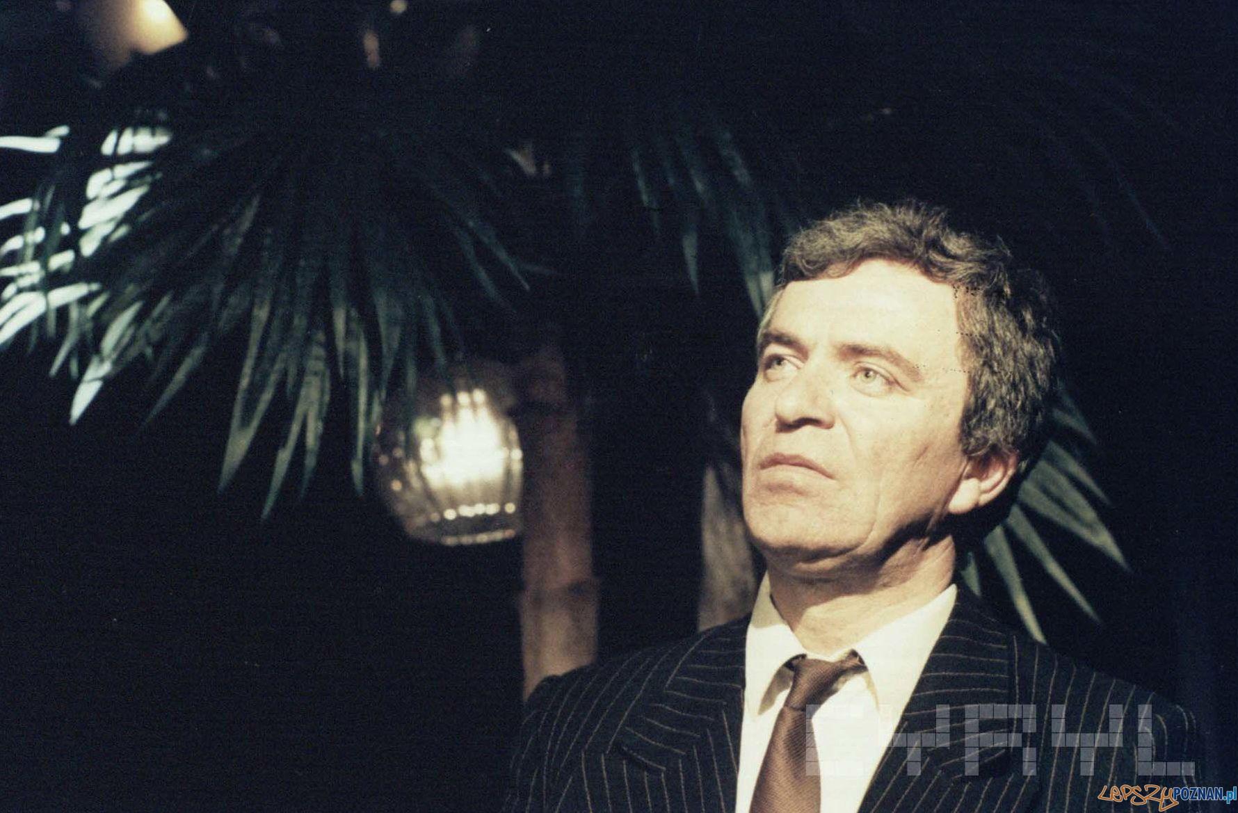 """Andrzej Lajborek w spektaklu """"Paris Paris piosenki znad Sekwany - 27.10.1990  Foto: Stefan Okołowicz / Cyryl"""