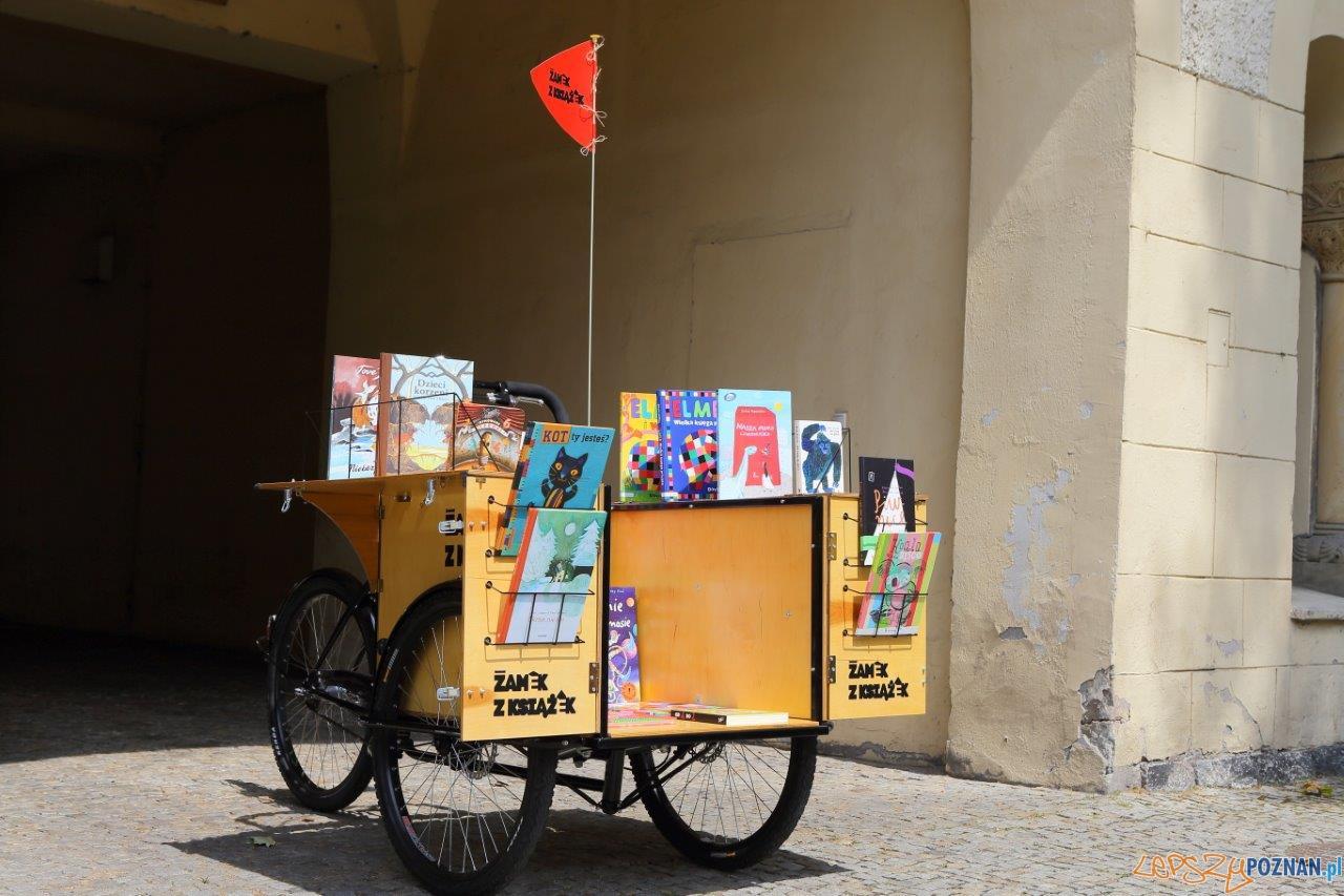 Biblioteka na rowerze  Foto: Maciej Kaczyński / CK Zamek