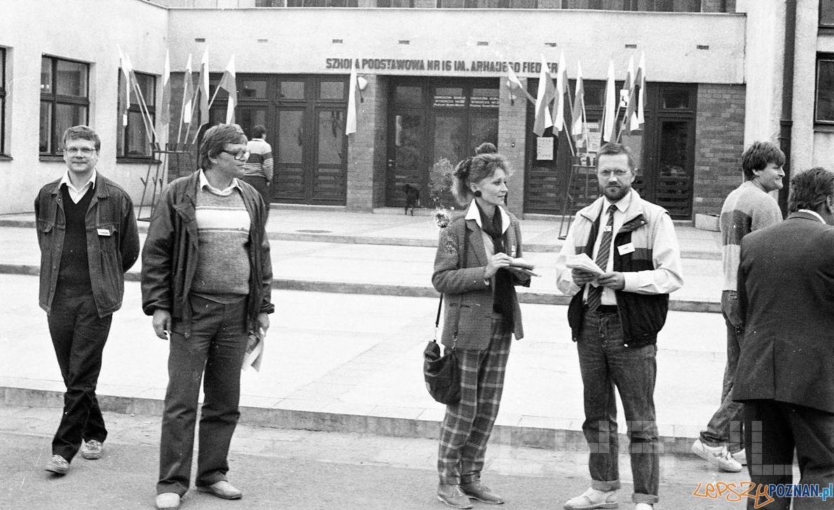 Obwodowa Komisja Wyborca na Osiedlu Tysięclecia - 4.06.1989  Foto: Jan Kołodziejski / Cyryl