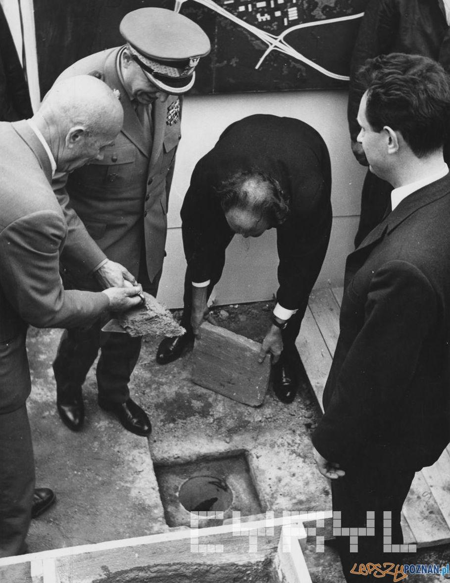 Wmurowanie aktu erekcyjnego Osiedli na Ratajach 18.07.1966  Foto: Jerzy Unierzyński / Cyryl